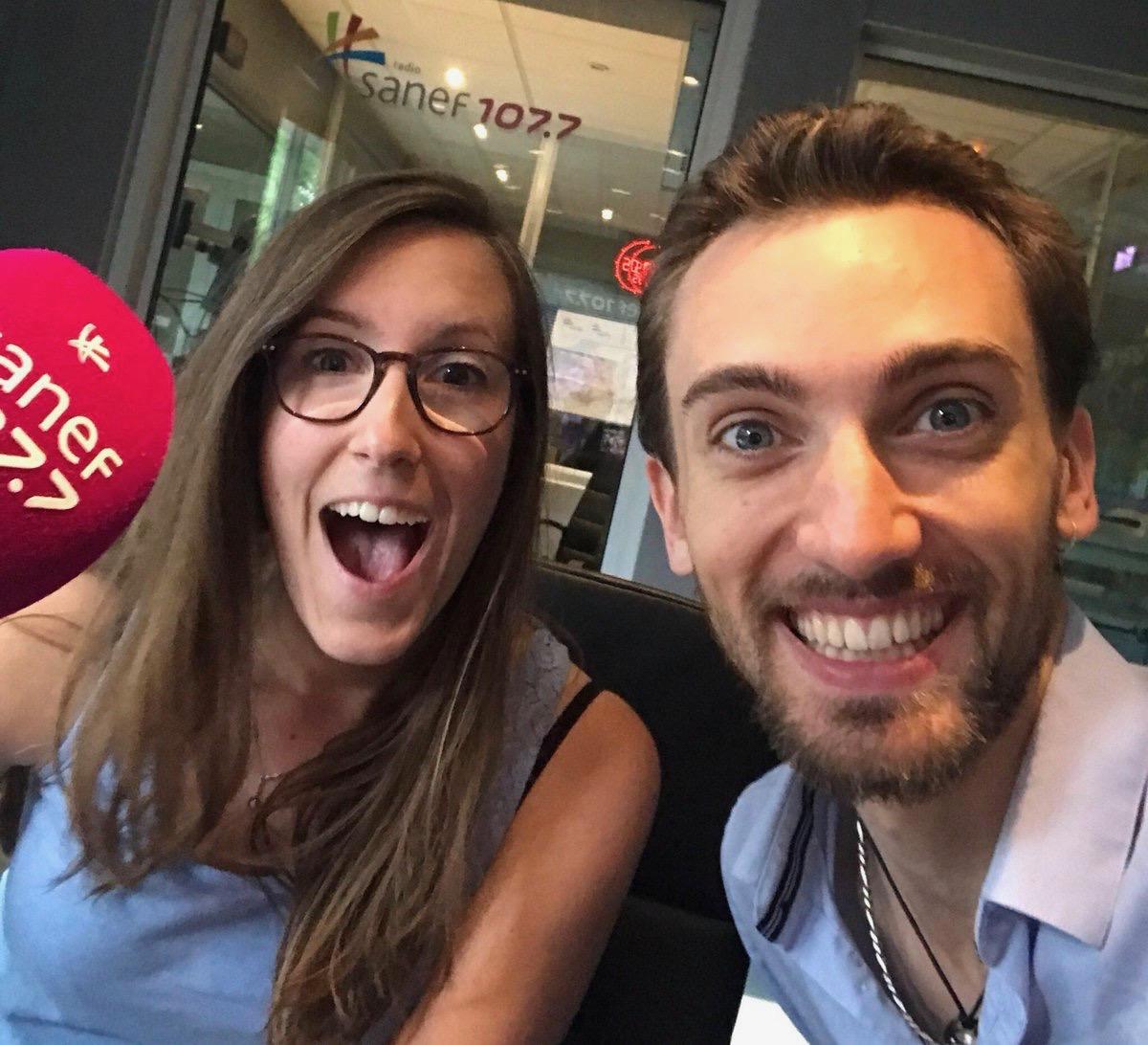 """Laurine Desfargeas et Frédéric Haury - Sanef 107.7 - """"Quand certains présentateurs volent le téléphone du community-manager : voilà ce que ça donne"""""""